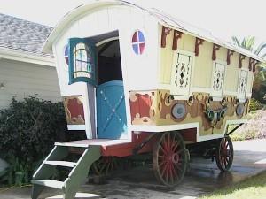 pee-wee-movie-prop-gypsy-wagon-conversion-renovation-002